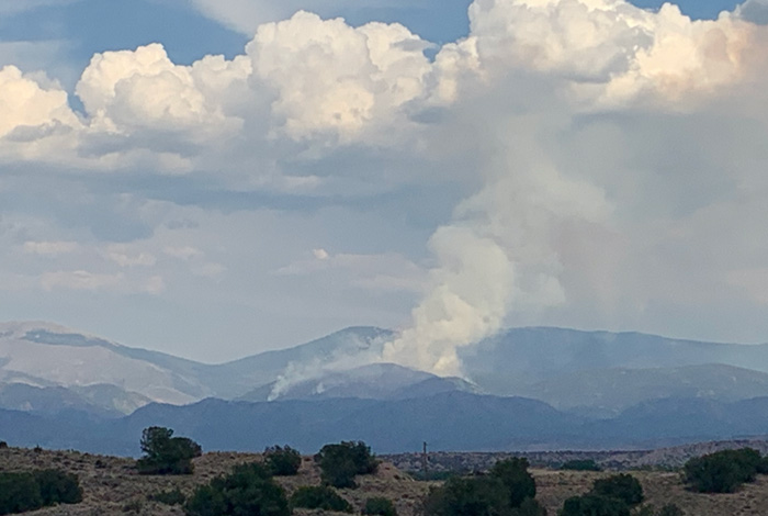 Smoke billows from Rio Medio fire in New Mexico in August 2020
